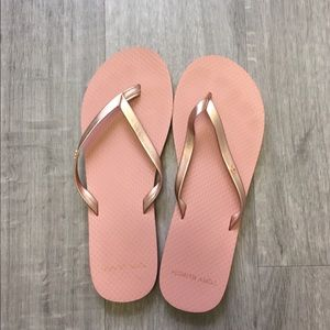 New Tory Burch Metallic Leather Flip Flop